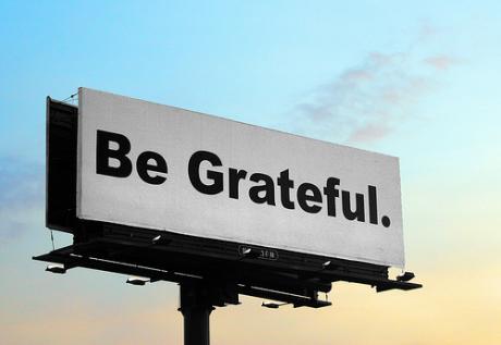 """Gratitude – האם הכרת-תודה יכולה לשנות את חיינו? / ד""""ר רונית לאמי"""