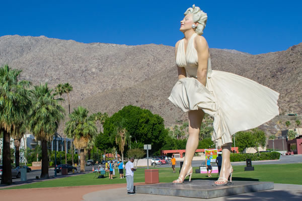 marilyn_monroe_statue_in_downtown_palm_springs_insert_by_visitor7_via_wikimedia