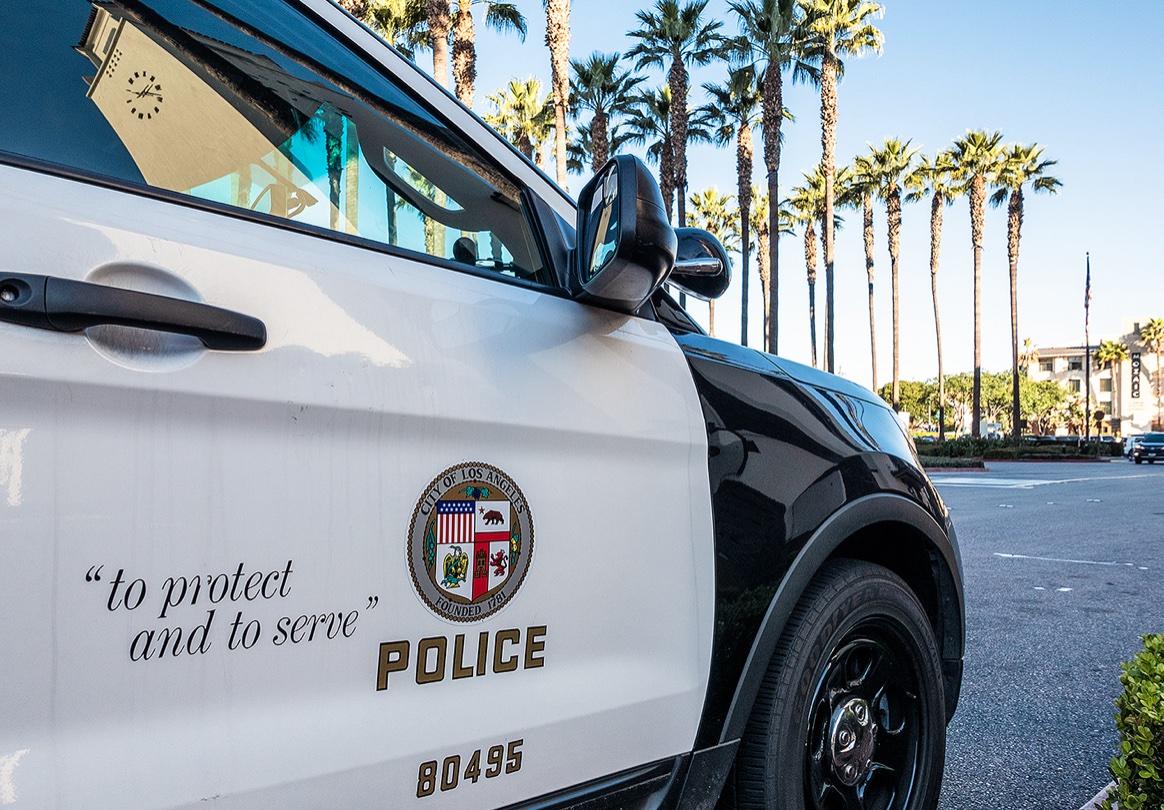 לוס אנג'לס: שוטר נעצר באשמת שימוש פלילי בקלטות פדופיליות