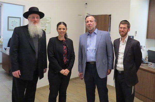 """איילת שקד: """"לעמותת 'נצח יהודה' יש זכויות גדולות בגיוס החרדים לצה״ל ״"""