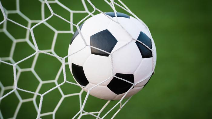 27 בנובמבר: בעיטת הפתיחה לטורניר כדורגל לליגת האלופות