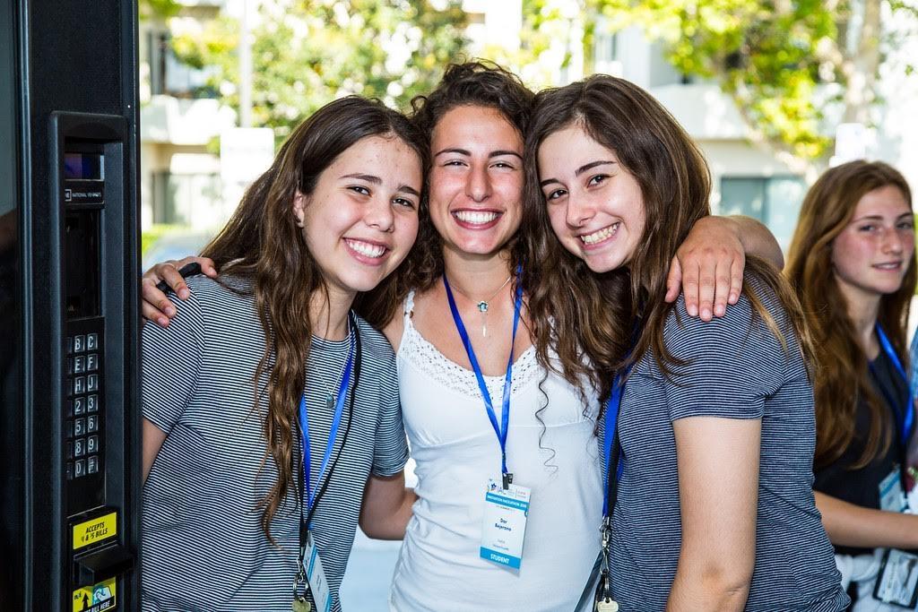 IAC איתנים: שבוע יזמות וטכנולוגיה לבני נוער בלוס אנג׳לס