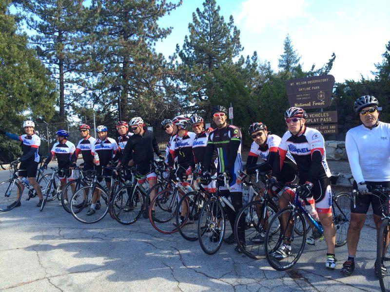 הם רוכבים ושרים:חברי TEAM ISRAEL מדוושים בצוותא על אופניים ברחבי קליפורניה