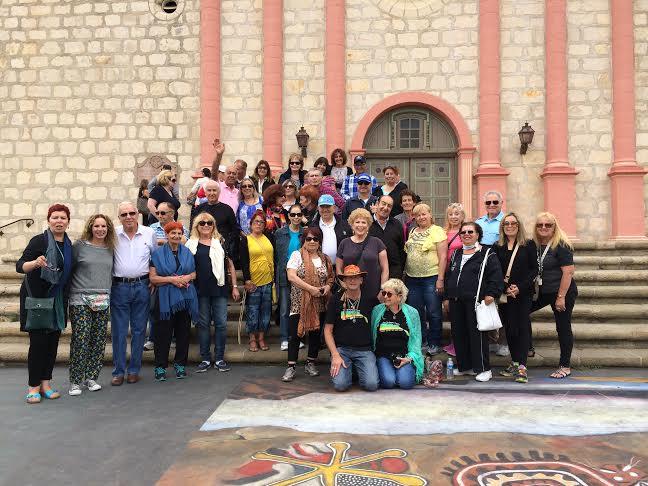 מועדון הגיל השלישי בלוס אנג'לס: טיול לסנטה ברברה, חוג ברידג' וריקודי פסדובלה…